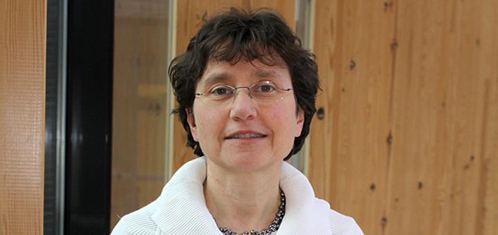 Bijzonder hoogleraar ketenzorg Esther de Vries