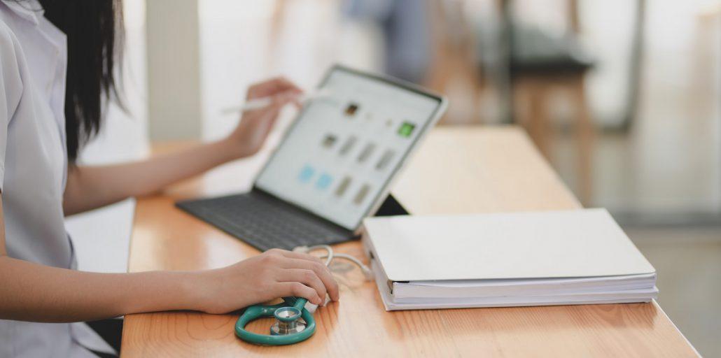 Huisarts: digitaal consult met persoonlijk patiëntencontact