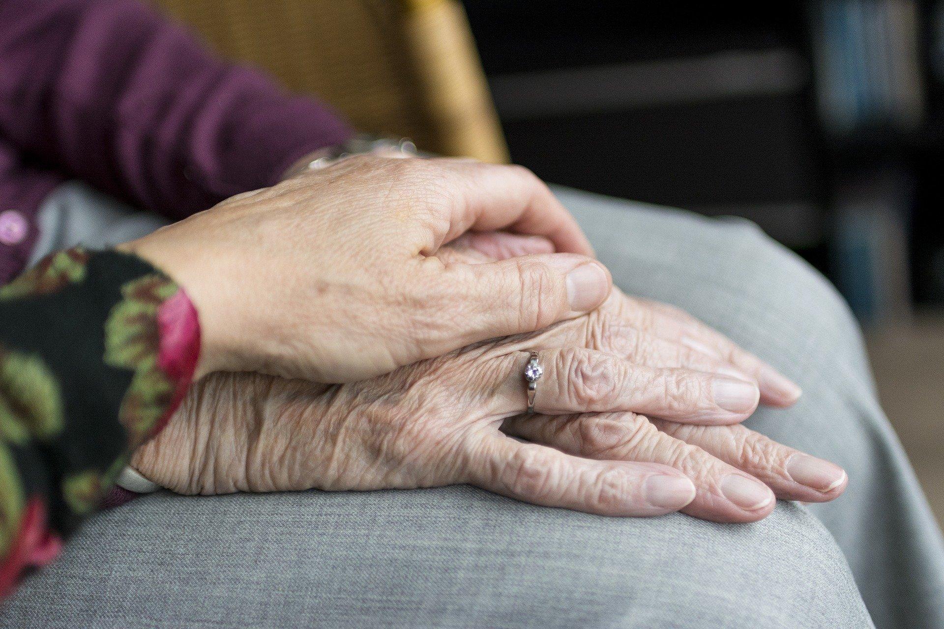 Kwetsbare ouderen thuis: vernieuwing in zorgtoezicht gevraagd